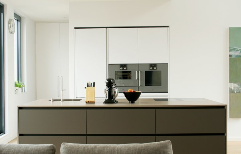 cucina gmbh k ln innenarchitektur f r k che bad. Black Bedroom Furniture Sets. Home Design Ideas